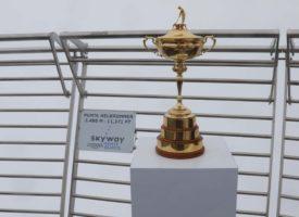 il-trofeo-della-ryder-cup-sulla-terrazza-di-punta-helbronner