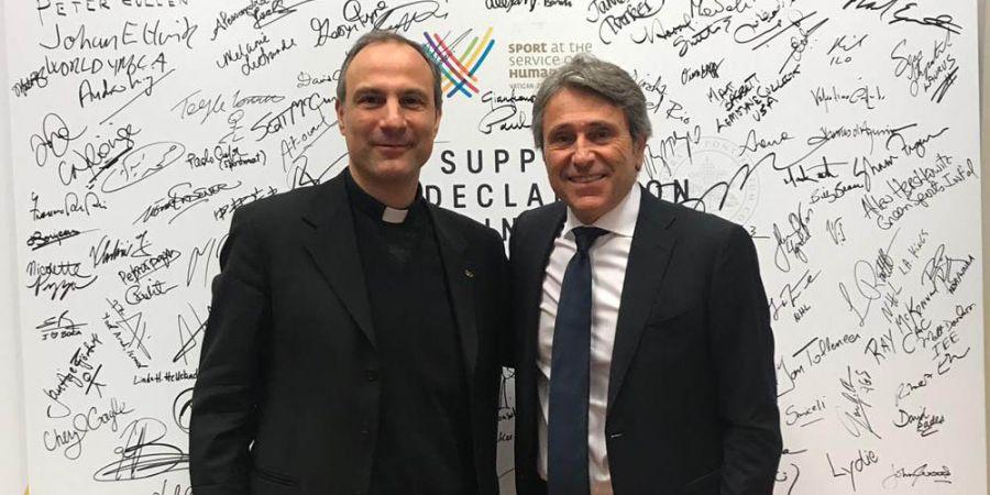 Monsignor Melchor Sànchez De Toca e Gian Paolo Montali