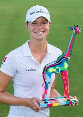 Esther Henseleit con il trofeo